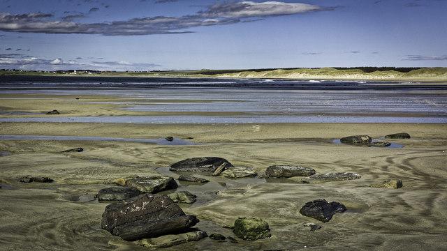 Rocks on Dunnet Beach