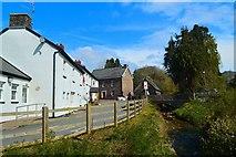 SO1327 : The Red Lion Inn, Llangors by Philip Pankhurst