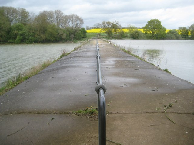 Sulby: Causeway between Welford and Sulby Reservoirs (1)