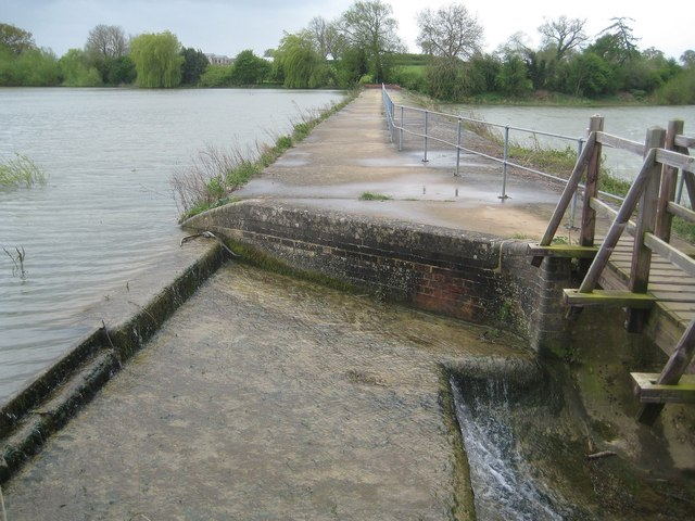 Sulby: Causeway between Welford and Sulby Reservoirs (2)