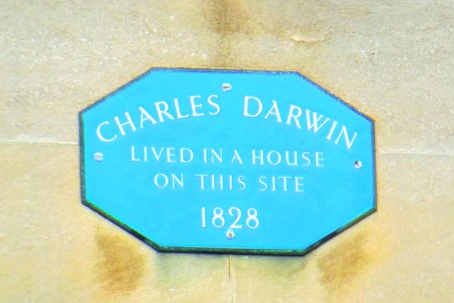 Photo of Charles Darwin blue plaque