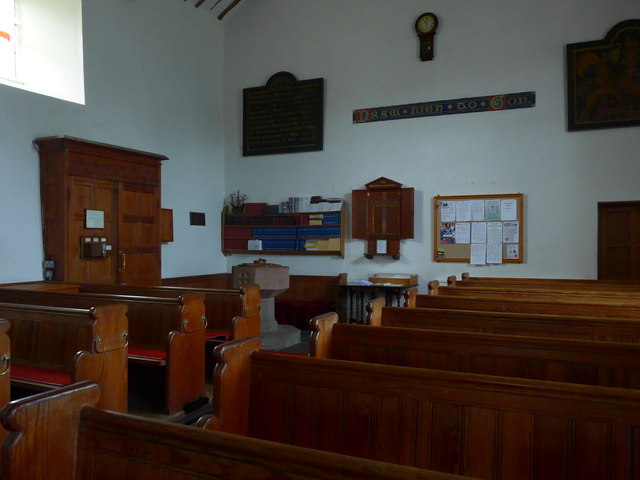 Inside Holy Trinity, Colton (IV)