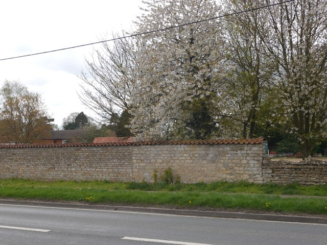 Wall on the west side of Lincoln Road, Navenby