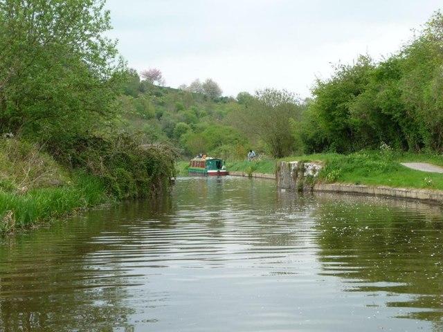 Canal narrows, between bridges 181 and 182
