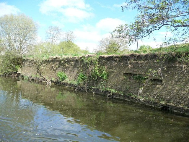 Londonderry Wharf wall, southern end