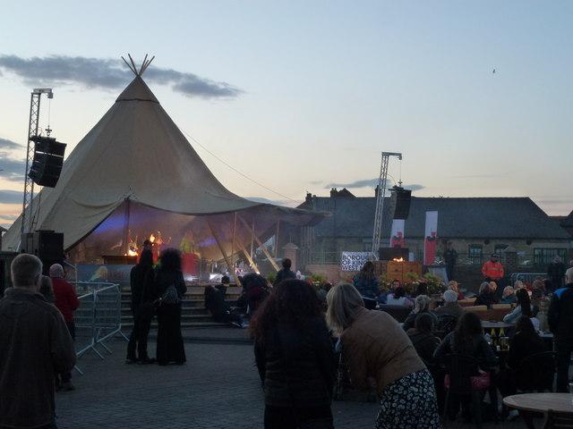 Watching The Hanse Festival, King's Lynn