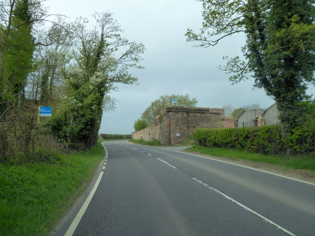 Abutment  for former railway bridge, Hortonlane