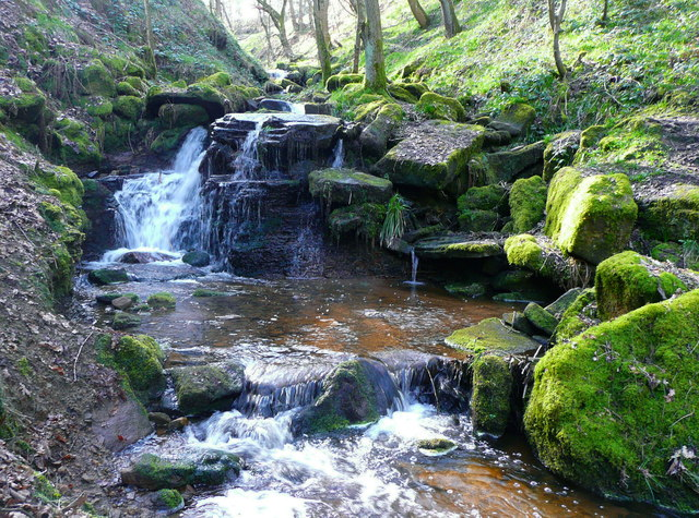 Waterfall on Maple Dean Clough, Greetland / Norland