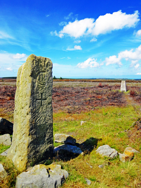 Standing Stone & Trig Point, Louven Howe