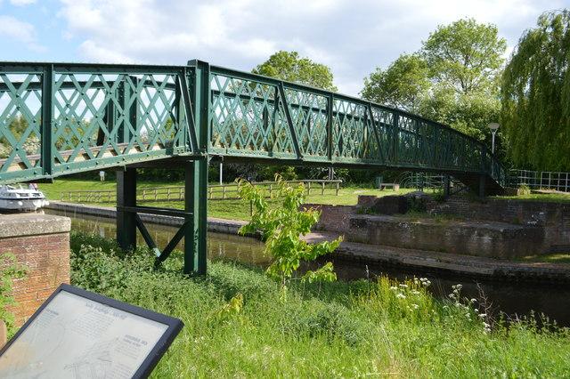 Foss Dyke Footbridge
