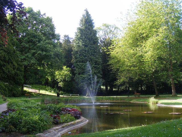 Fountain in Memorial Gardens, Tring