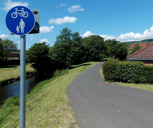 Riverside footpath and cycleway, Pontyclun