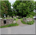 SO5509 : SW entrance to All Saints churchyard, Newland by Jaggery