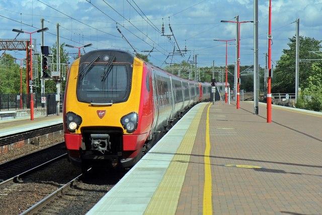 Virgin Class 221, 221114, Wigan North Western railway station