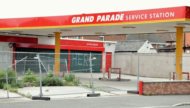 Former petrol station, Grand Parade, Belfast (May 2015)