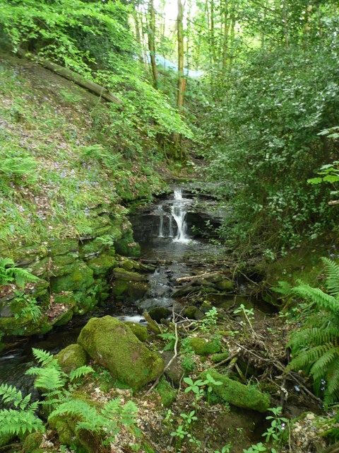 Waterfall on Maple Dean Clough, Norland (14)