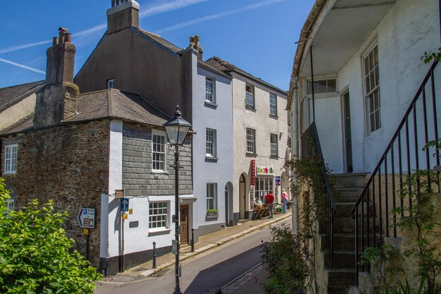 Castle Street Totnes C Chris Denny Cc By Sa 20 Geograph Britain