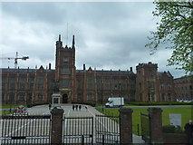 J3372 : Queen's University of Belfast by James Allan