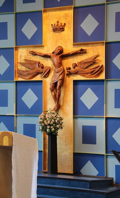 St Luke, Love Lane, Pinner - Crucifix