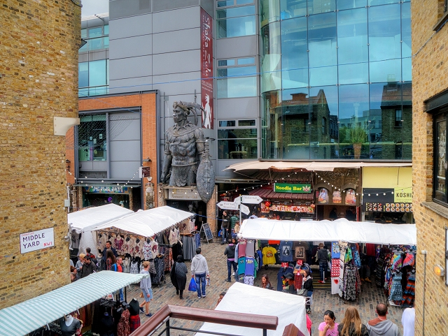 Camden Lock Market, Middle yard
