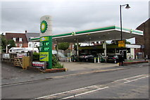 SU3521 : BP filling station and shop in Romsey by Jaggery