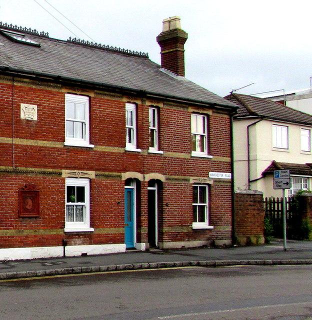 Queen's Terrace, Romsey