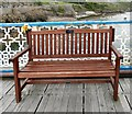 SH7883 : Roy Leonard Glaze: Memorial Bench by Gerald England
