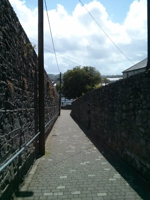 Path down to the Waterside