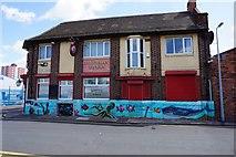TA0827 : Inkerman Tavern on Edgar Street, Hull by Ian S
