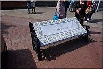 TA0827 : Bench dedicated to Yvonne Blenkinsop by Ian S