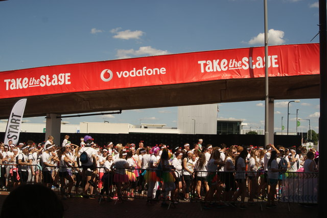 View of the next round of Colour Runners lining up at the start line #5
