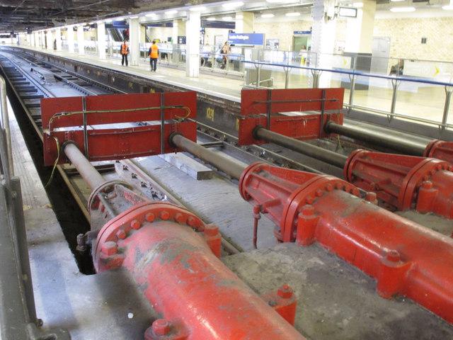 Hydraulic buffers (1), Platforms 11 &12, Paddington Station