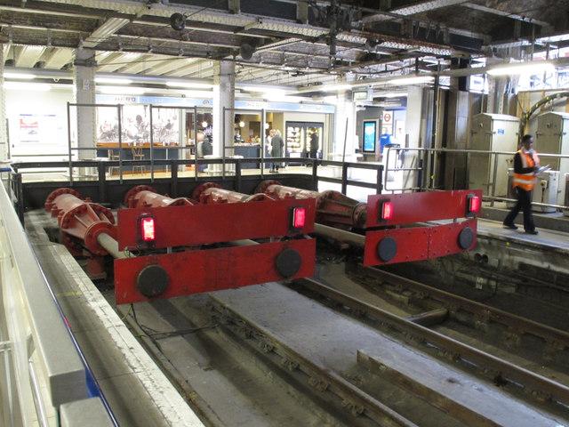 Hydraulic buffers (2), platforms 11 & 12, Paddington Station