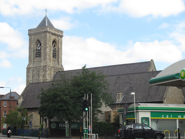 Holy Trinity, Upper Tooting: south side
