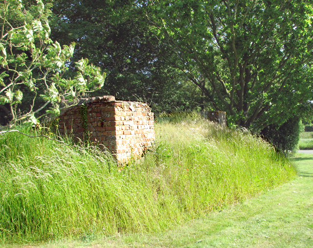 Air raid shelter at Denham Corner