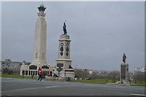 SX4753 : Plymouth Naval Memorial and Armada Memorial by N Chadwick