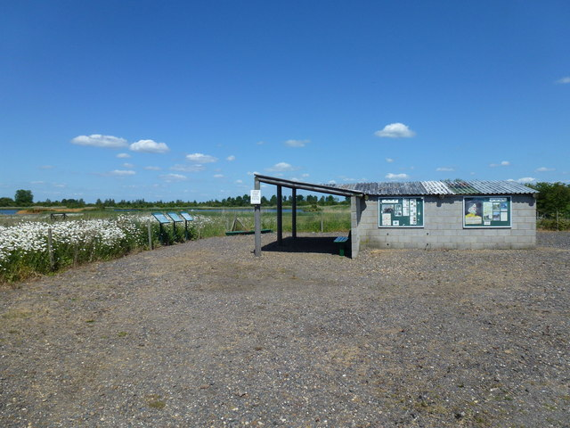 Public shelter, Deeping Lakes nature reserve