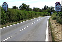 ST8080 : Start of the 30 zone, Acton Turville by Jaggery