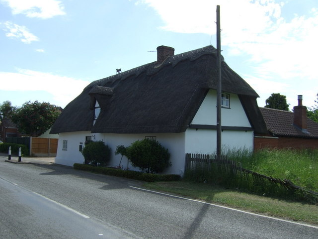 Thatched cottage, Offord Cluny