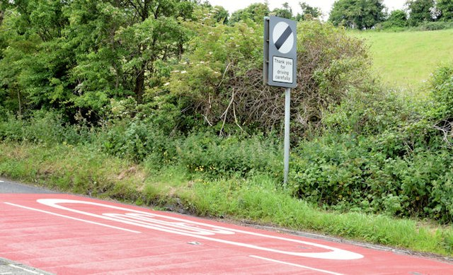 30 mph signs and road markings, Gilnahirk, Belfast - June 2015(2)