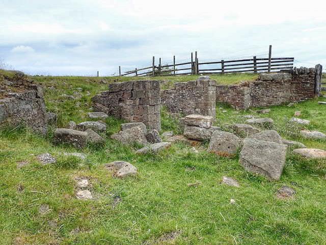 Ruin above Quarry Wood
