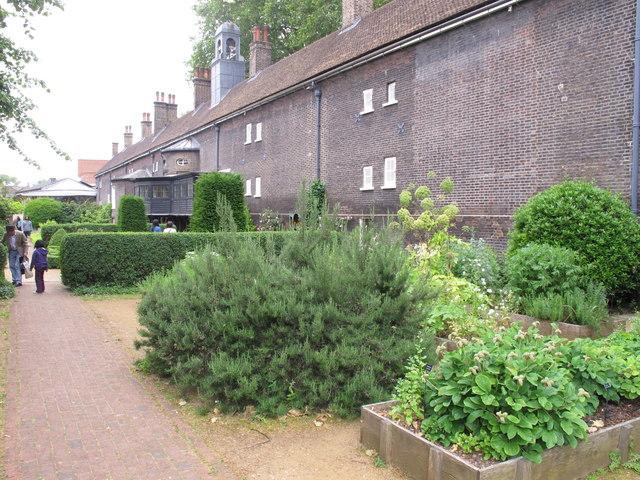 Late Elizabethan  garden, Geffrye Museum period garden rooms