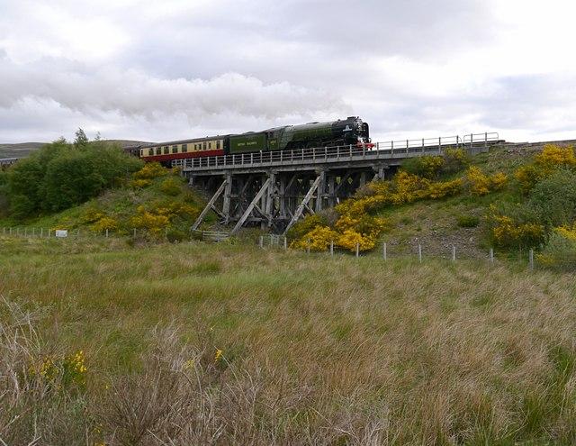 60163 Tornado crossing the Aultnaslanach Viaduct