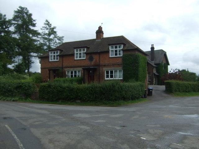 Houses, Norbury