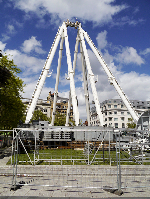 Piccadilly Gardens, Partly-Dismantled Manchester Wheel