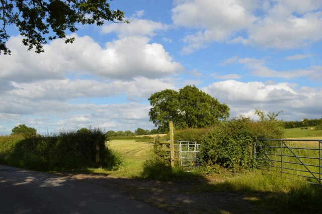 Audley: footpath off Moat Lane