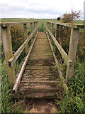 TA3719 : Footbridge over Fosse Drain by Andy Beecroft