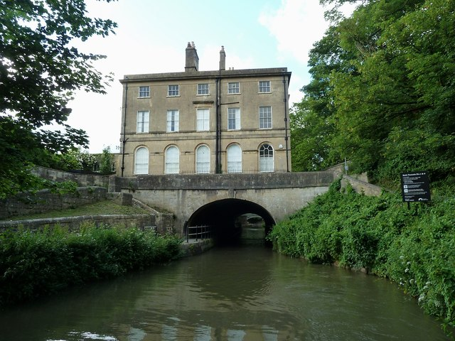 Cleveland House above the Kennet & Avon canal