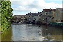 ST7565 : Kennet & Avon Canal, Bath, Winding hole by Rob Farrow