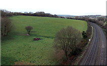 ST5491 : Field at the edge of Bulwark, Chepstow by Jaggery